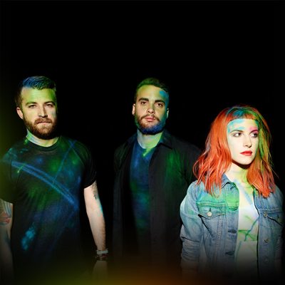 Jeremy Davis (baixo), Taylor York (guitarra) e Hayley Williams (vocal).