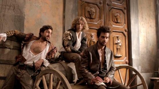 Zoroastro, Nico e Leonardo prestes a entrar numa confusão.